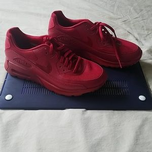 New w/o Box  Nike AirMax Sneakers Size 7.5